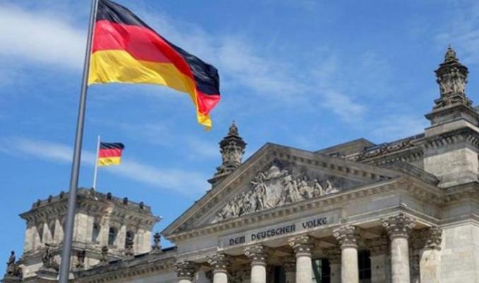 Almanekonomisi 4'üncü çeyrekte büyüdü