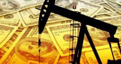 Güçlenen dolar petrol fiyatlarını geriletti
